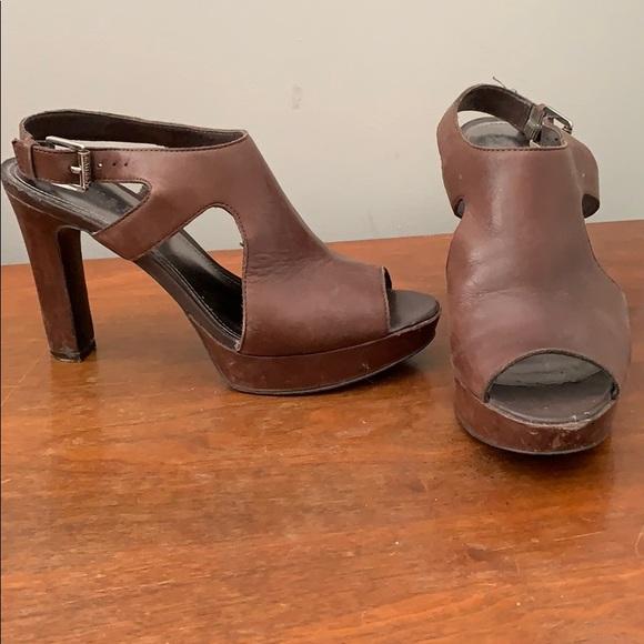 3680eb975f8 Ralph Lauren brown leather heel